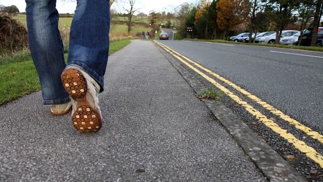 נסע על המדרכה ופגע בקשישה